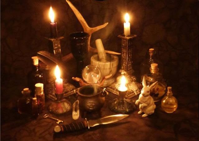 encantamentos, feitiços, bruxaria